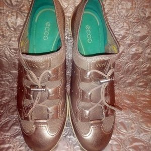 Ecco rose gold and Tiffany color